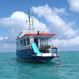 Popa embarcação Let's Dive